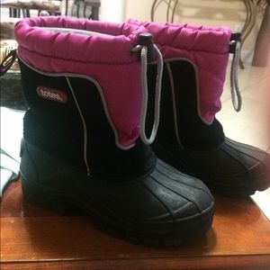 Totes Girls boots size 1